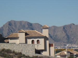 Algorfa, calm and tranquil in the shelter of Mount Escotera. However, the town has seen several earthquakes in recent years